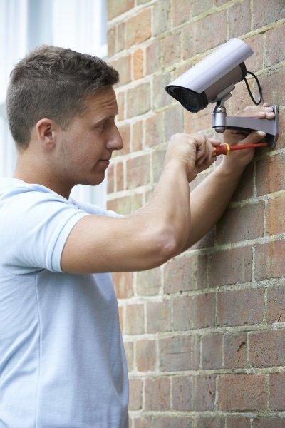 Установка и настройка камеры наблюдения в помещении