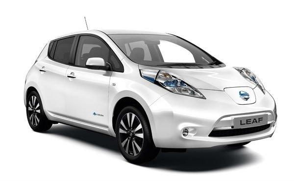 Электроавтомобиль LEAF SV(2015) белый металлик